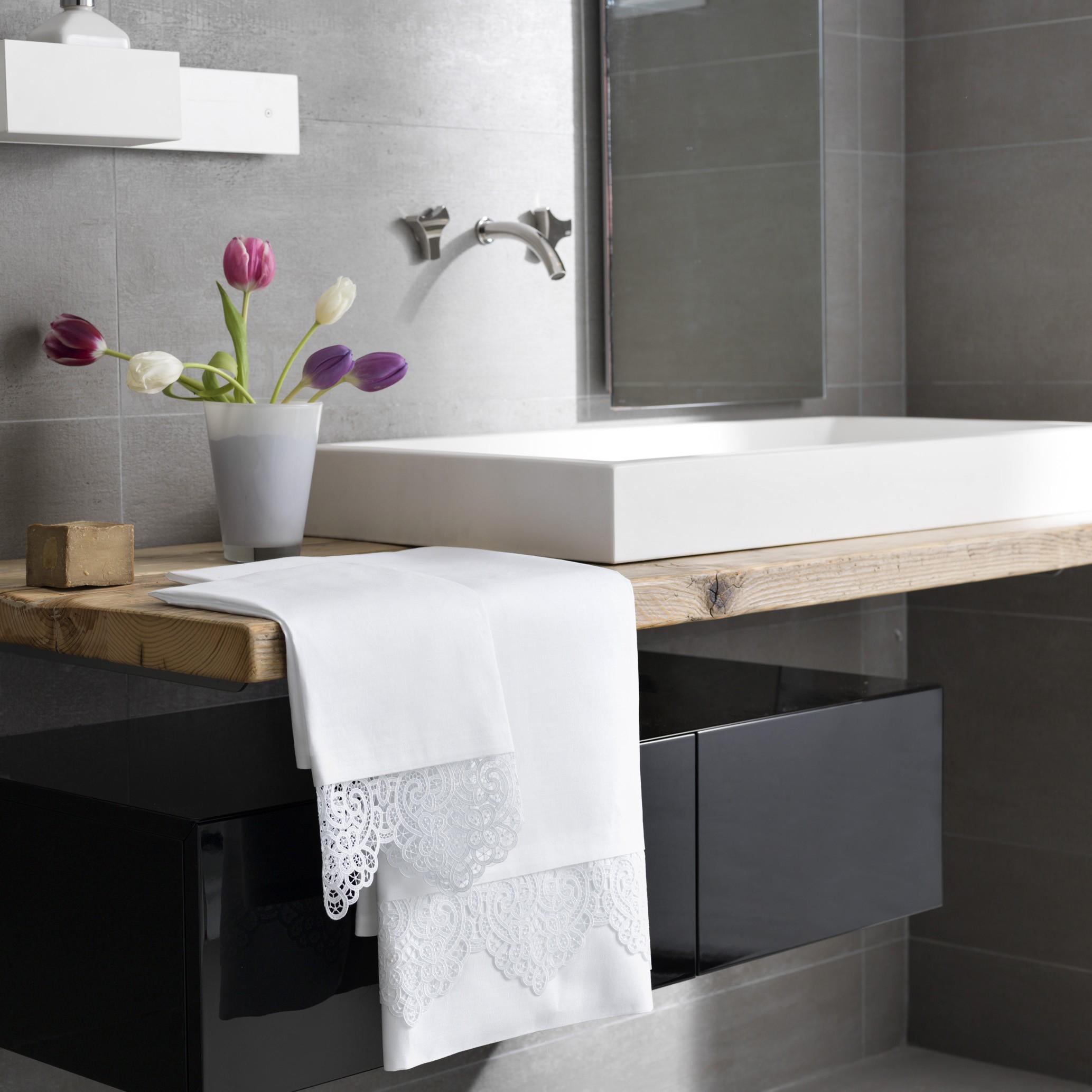 Asciugamani e biancheria da bagno – Arnaldo Caprai - Arnaldo ...